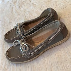 SPERRY Gray Silver Leather 9M